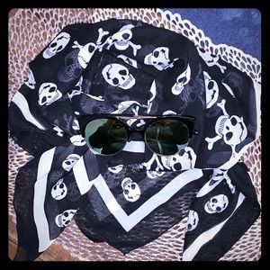 Accessories - Sheer Skull Print Scarf Black & White
